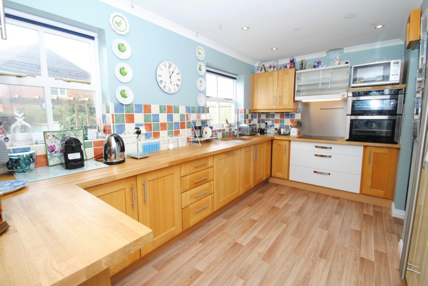 Images for Passey Crescent, Benson